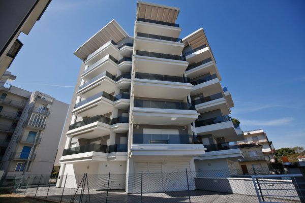 Luxury Residences: SAINT-JACQUES: Quadrilocali di tipologia Superior